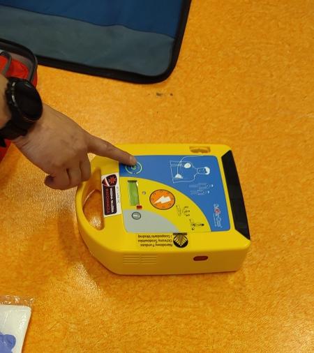 Defibrylator AED w naszej szkole